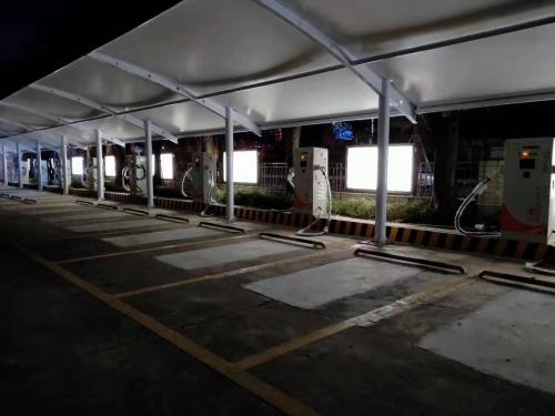 东莞市厚街会展中心迅途充电站